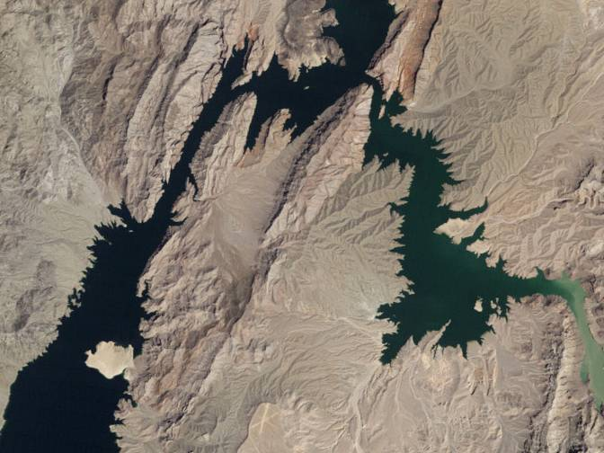 A satellite view of the upper end of Lake Mead in 1985.