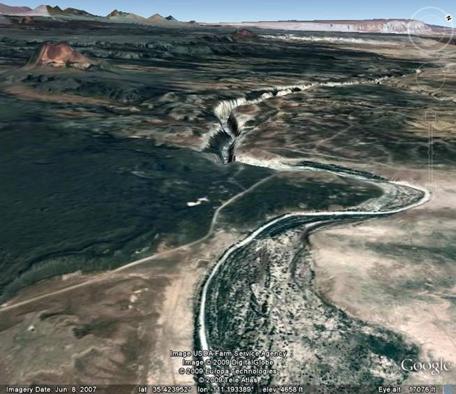 A Google Earth view of the Grand Falls               of the Little Colorado River and its canyon.
