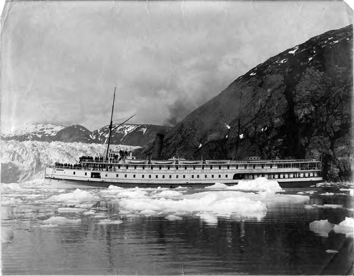 "The steamship ""Victorian"" in front of the Taku           Glacier in 1900"